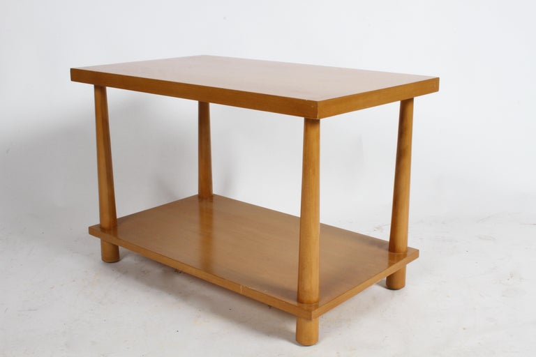 American Pair of T.H. Robsjohn-Gibbings for Widdicomb Reverse Tapered Legs End Tables For Sale