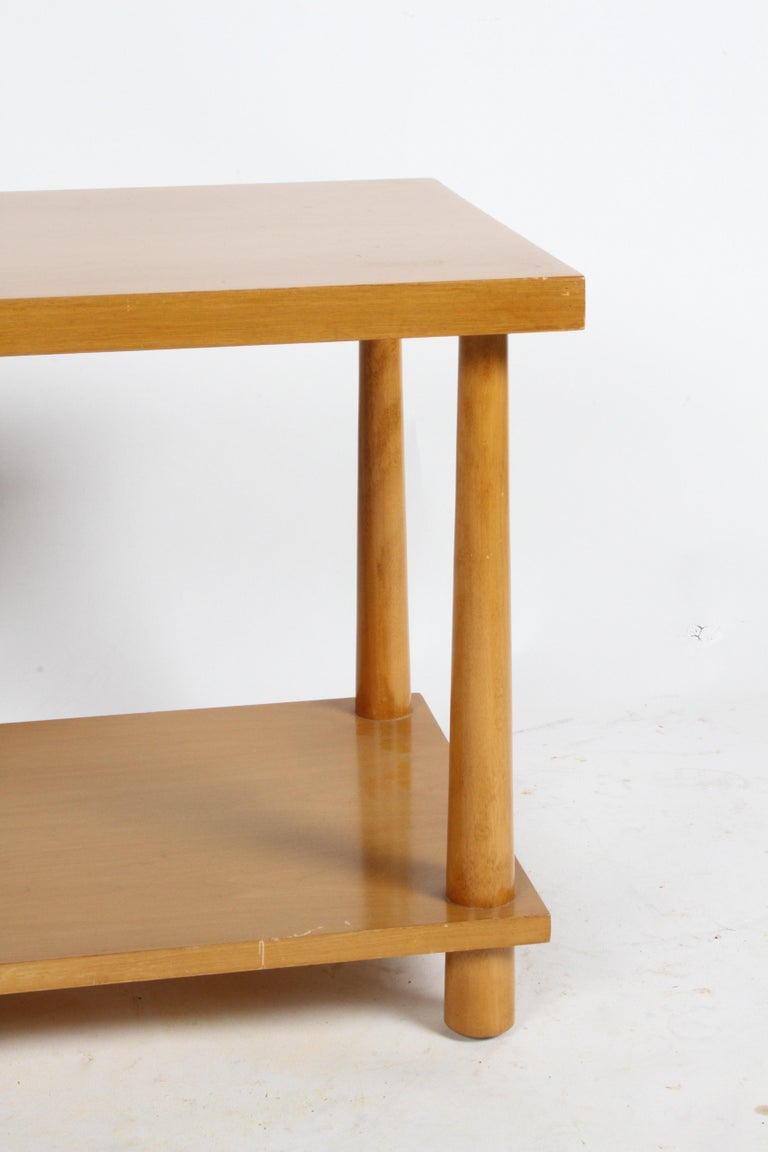 Mahogany Pair of T.H. Robsjohn-Gibbings for Widdicomb Reverse Tapered Legs End Tables For Sale