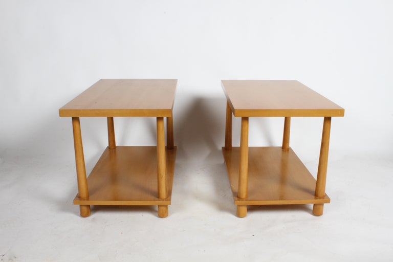 Pair of T.H. Robsjohn-Gibbings for Widdicomb Reverse Tapered Legs End Tables For Sale 1