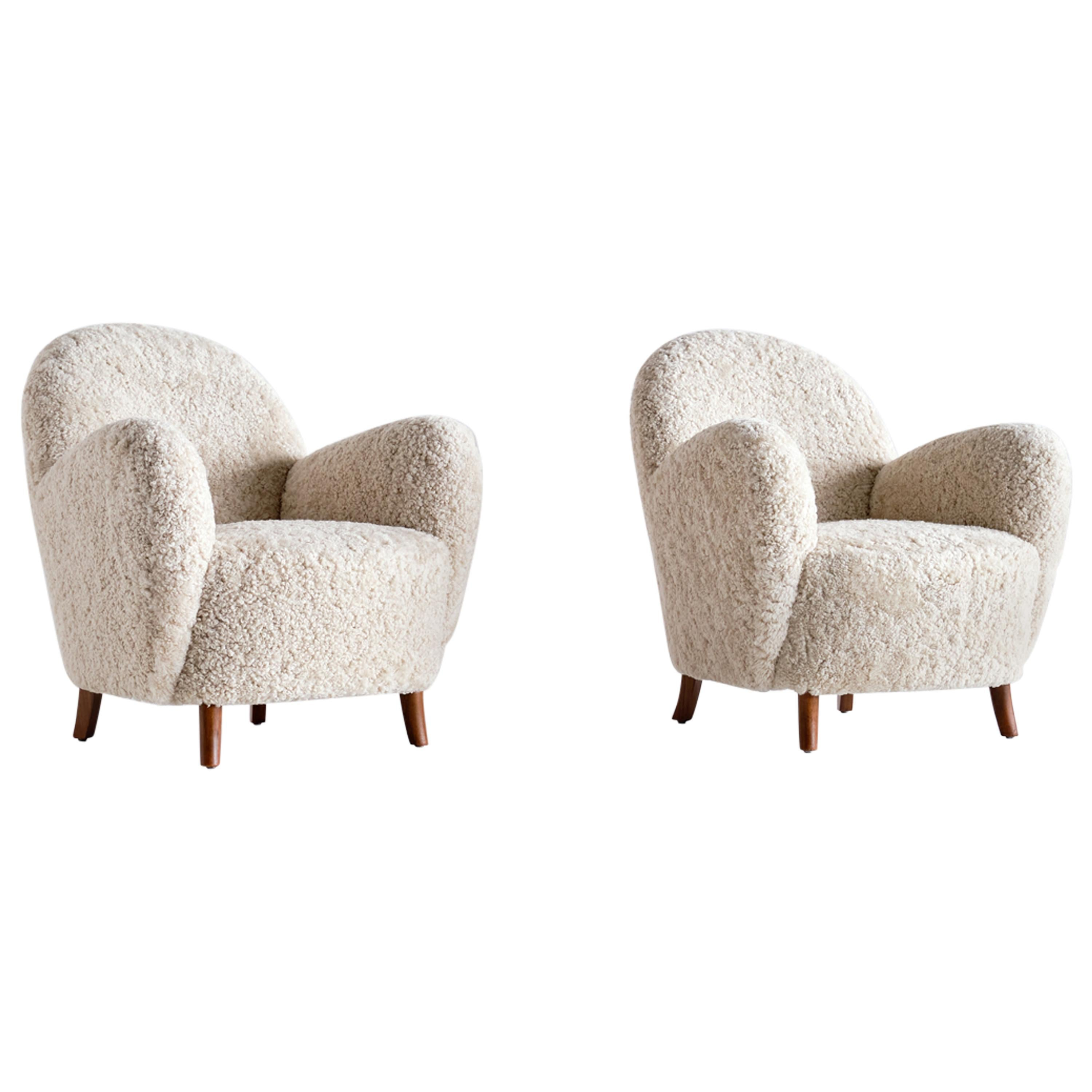 Pair of Thorald Madsen Armchairs in Sheepskin and Beech, Denmark, Mid 1930s