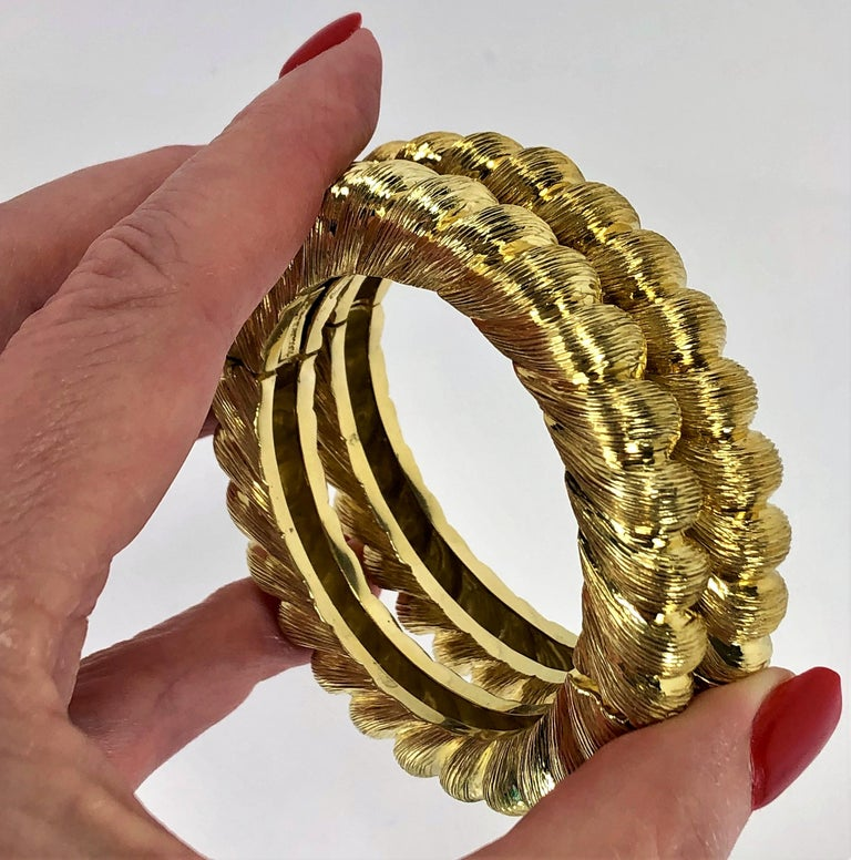 Pair of Tiffany & Co. Gold Rope Design Bangle Bracelets For Sale 4