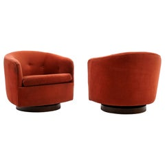 Pair of Tilt Swivel Lounge Chairs by Milo Baughman for Thayer Coggin, Signed