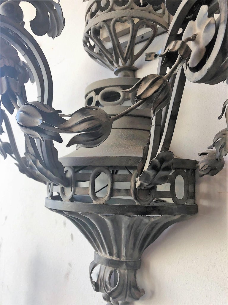 Pair of Tole French Wall Sconces In Good Condition For Sale In Dallas, TX