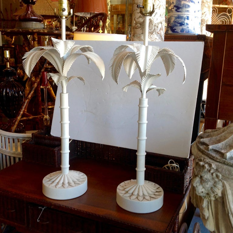 Pair of Tole Palm Tree Lamps In Good Condition For Sale In West Palm Beach, FL