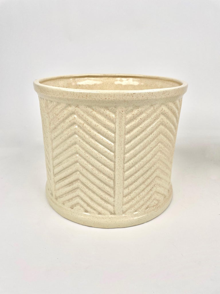 Pair of Tommaso Barbi Beige Ceramic Vase, Italy, 1970s In Good Condition For Sale In Rome, IT