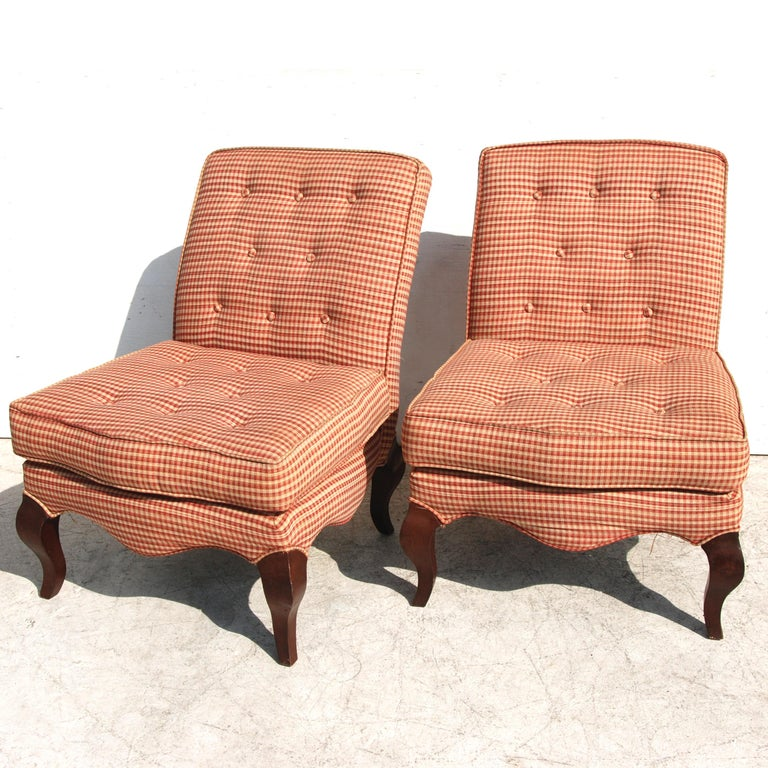 20th Century Pair of Traditional Queen Anne Slipper Chairs For Sale