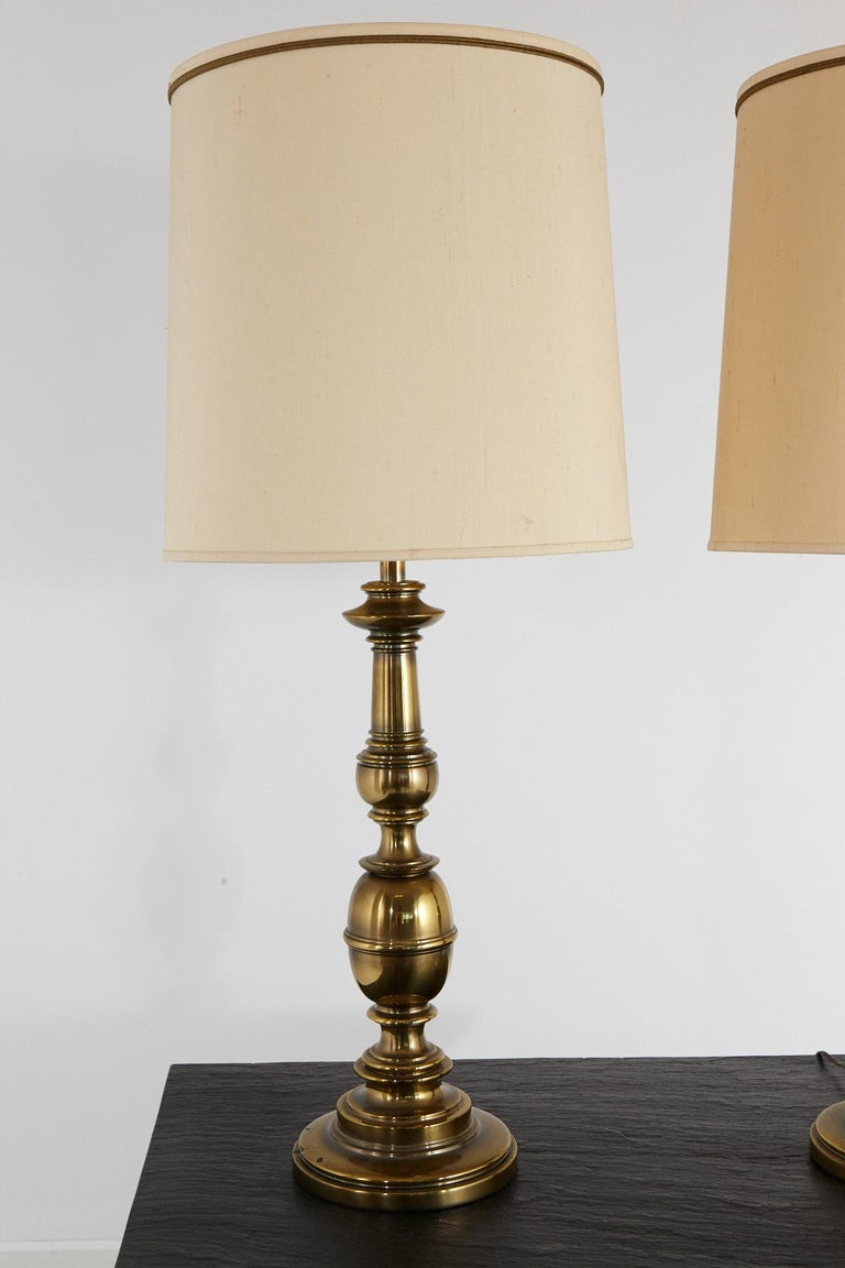 Pair of Traditional Stiffel Brass Table Lamps with Original Shades, 1950s-1960s In Good Condition For Sale In Weston, CT