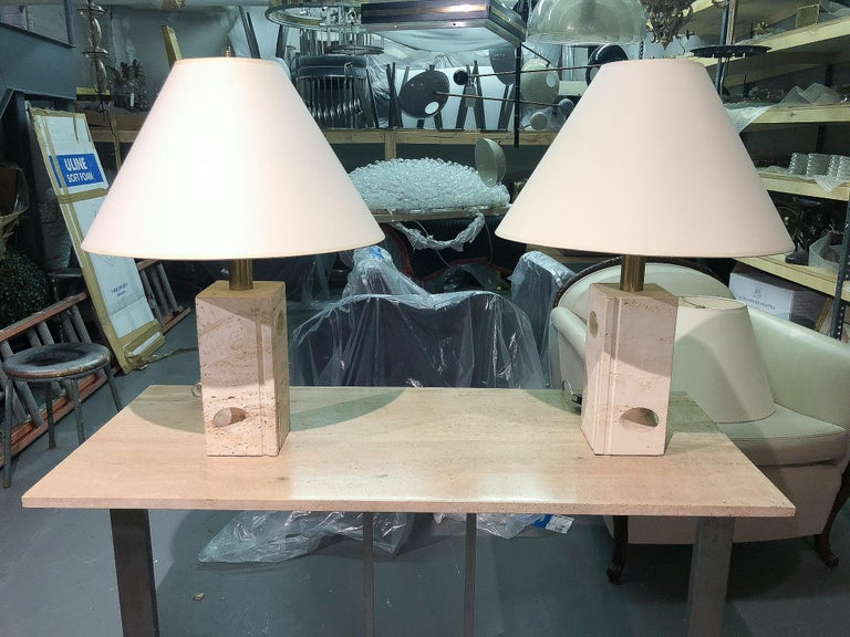 Late 20th Century Pair of Travertine Lamps by Fratelli Manelli, Italy, 1970's  For Sale