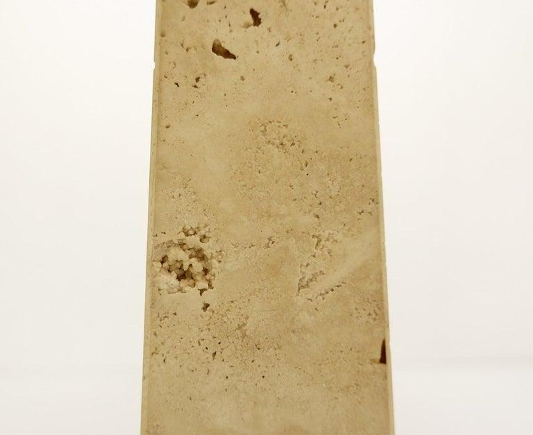 Pair of Mid-Century Modern Travertine Obelisk Table Lamps For Sale 1
