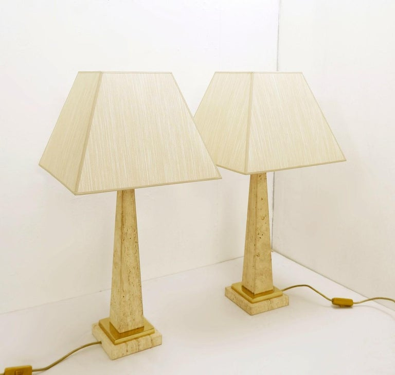 Pair of Mid-Century Modern Travertine Obelisk Table Lamps For Sale 3