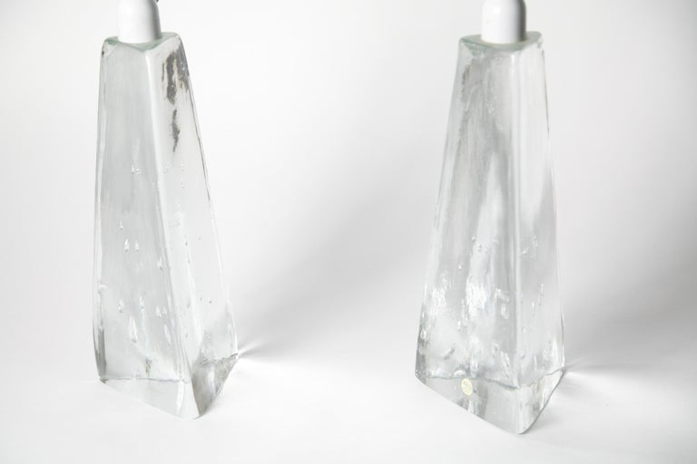 Pair of Triangular Solid Clear Aneta Lamps, Sweden, 1980 In Excellent Condition For Sale In New York, NY