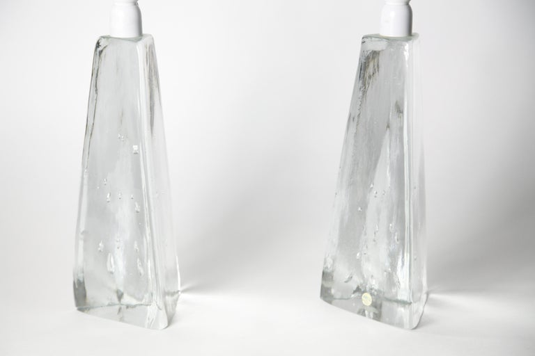 20th Century Pair of Triangular Solid Clear Aneta Lamps, Sweden, 1980 For Sale
