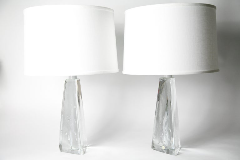 Blown Glass Pair of Triangular Solid Clear Aneta Lamps, Sweden, 1980 For Sale
