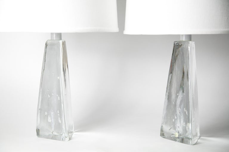 Pair of Triangular Solid Clear Aneta Lamps, Sweden, 1980 For Sale 1