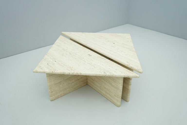 Pair of Triangular Travertine Side or Coffee Table, Italy, 1970s In Good Condition For Sale In Frankfurt / Dreieich, DE
