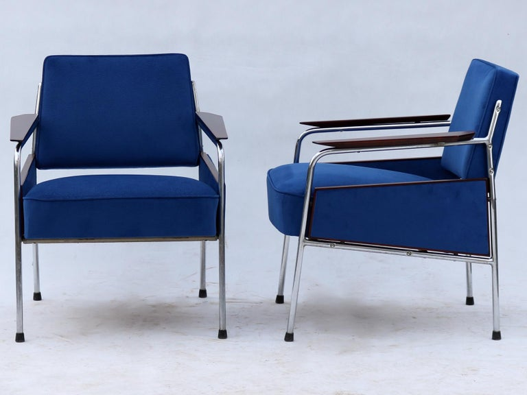 Pair of Art Deco Tubular Steel  Armchairs , New Upholstery, circa 1930 For Sale 2