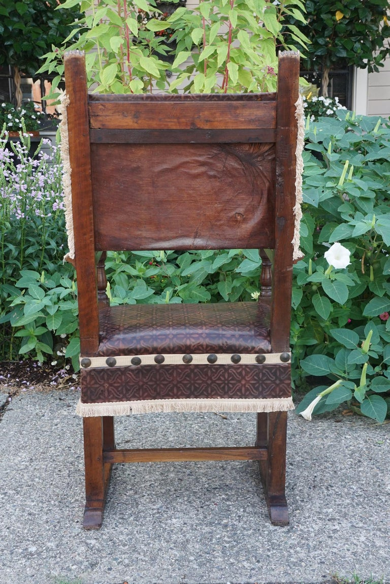 Pair of Tuscan Renaissance Style Walnut Armchairs In Good Condition For Sale In Hudson, NY