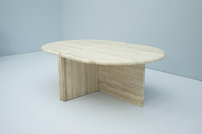 Pair of Twin Travertine Coffee Tables, 1970s In Good Condition For Sale In Frankfurt / Dreieich, DE