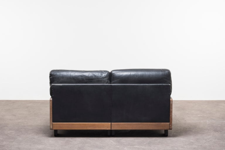 Leather Pair of Two‐Seat Sofas Mod. 920 by Afra & Tobia Scarpa For Sale