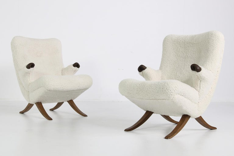 Mid-Century Modern Pair of Unique 1950s Organic Lounge Chairs Teddy Fur & Leather Midcentury Modern For Sale