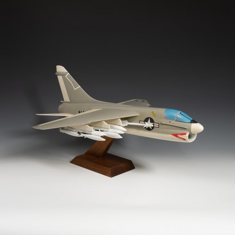 Pair of United States Military A-7 Corsairs Model Aircrafts, circa 1970 For Sale 10