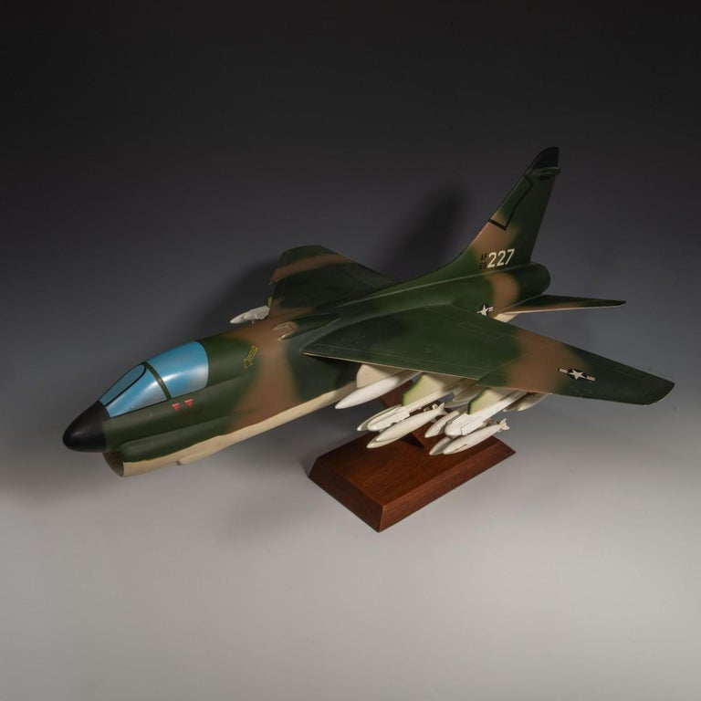 Late 20th Century Pair of United States Military A-7 Corsairs Model Aircrafts, circa 1970 For Sale