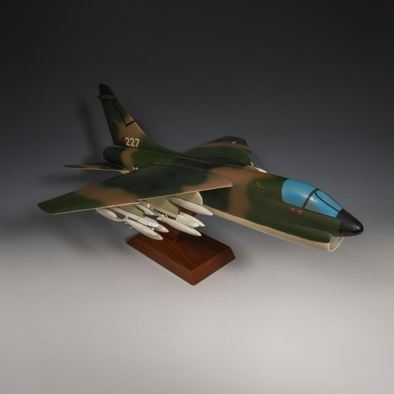 Pair of United States Military A-7 Corsairs Model Aircrafts, circa 1970 For Sale 1