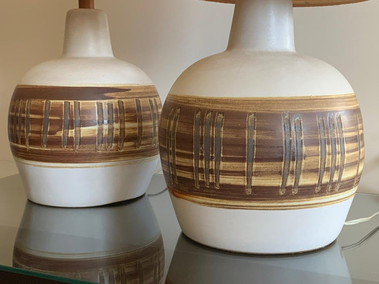 Pair of Unusual Ceramic Lamps by Gordon Martz In Good Condition For Sale In St.Petersburg, FL