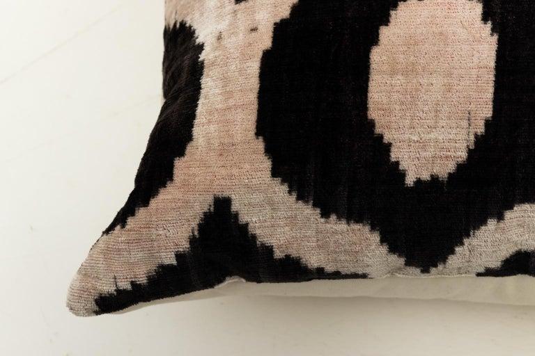 Pair of Velvet Throw Pillows For Sale 8