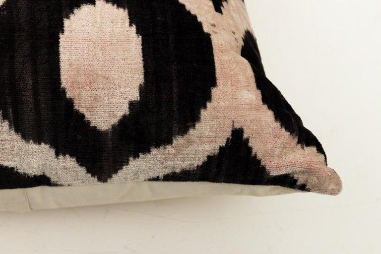 Pair of Velvet Throw Pillows For Sale 9