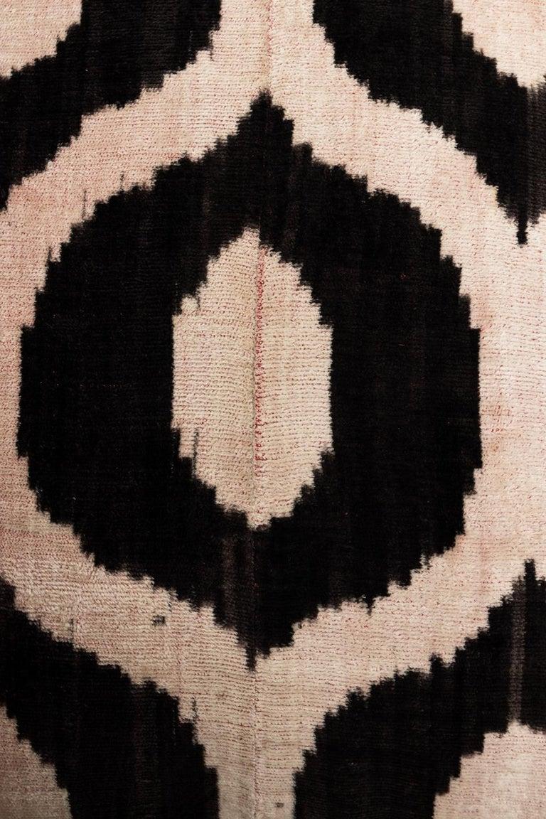 Mid-Century Modern Pair of Velvet Throw Pillows For Sale