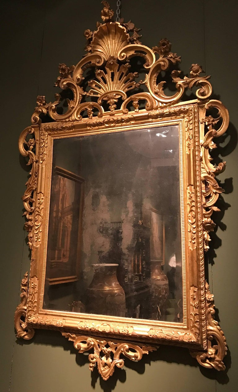 Pair of Venetian Carved and Giltwood Mirrors, Italy, circa 1750 For Sale 1