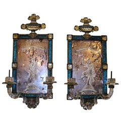 Paar kobaltblaue Wandleuchten mit Figuren aus geätztem Glas Um 1700