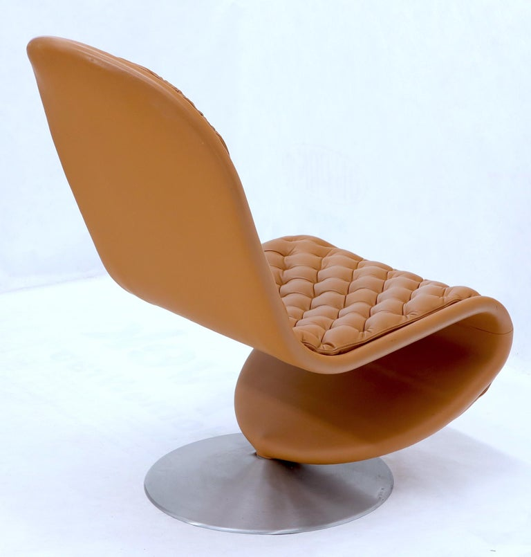 Danish Pair of Verner Panton Tan Tufted Leather 123 Lounge Chairs For Sale