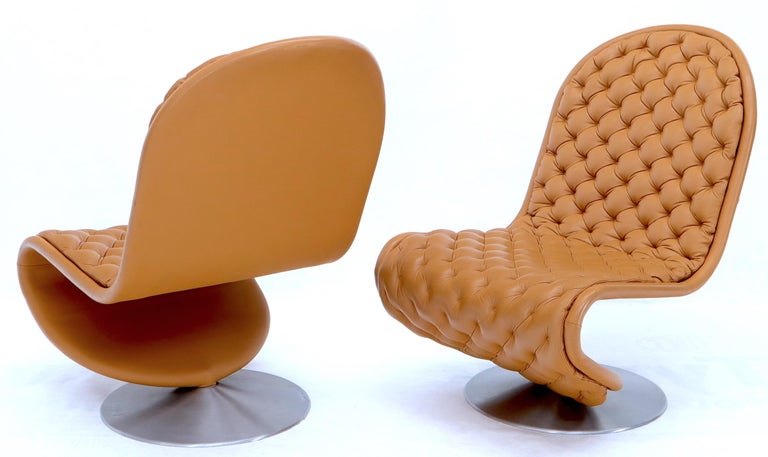 Pair of Verner Panton Tan Tufted Leather 123 Lounge Chairs For Sale 2