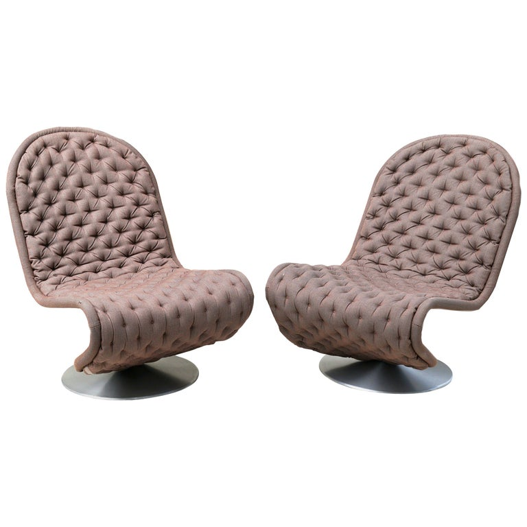 Pair of Verner Panton Tufted 123 Lounge Chairs For Sale