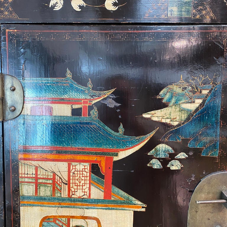 Pair of Very Unusual and Rare 18th Century Chinese Qing Dynasty Cabinets For Sale 7