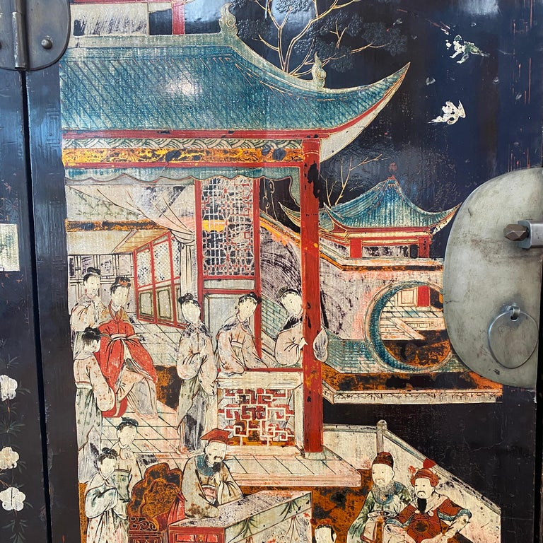 Pair of Very Unusual and Rare 18th Century Chinese Qing Dynasty Cabinets For Sale 5