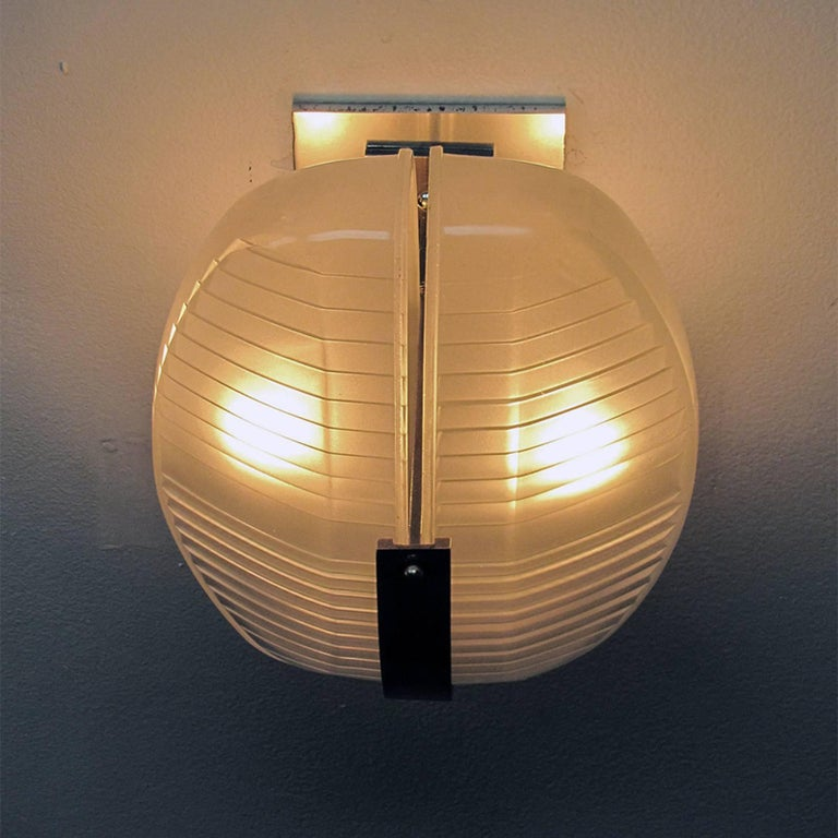 Pair of Vico Magistretti Wall Lights, 1960 For Sale 2