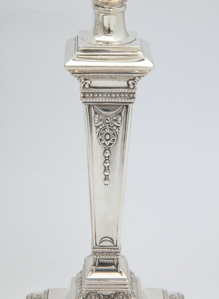 Pair of Victorian Adam-Style Sterling Silver Candlesticks In Good Condition For Sale In New York, NY