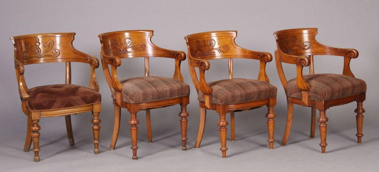 Pair of Victorian Armchairs In Good Condition For Sale In Hudson, NY