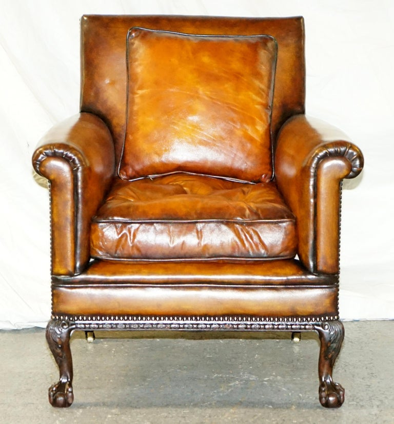 English Pair of Victorian Club Armchairs Claw and Ball Feet Brown Leather Full Restored For Sale