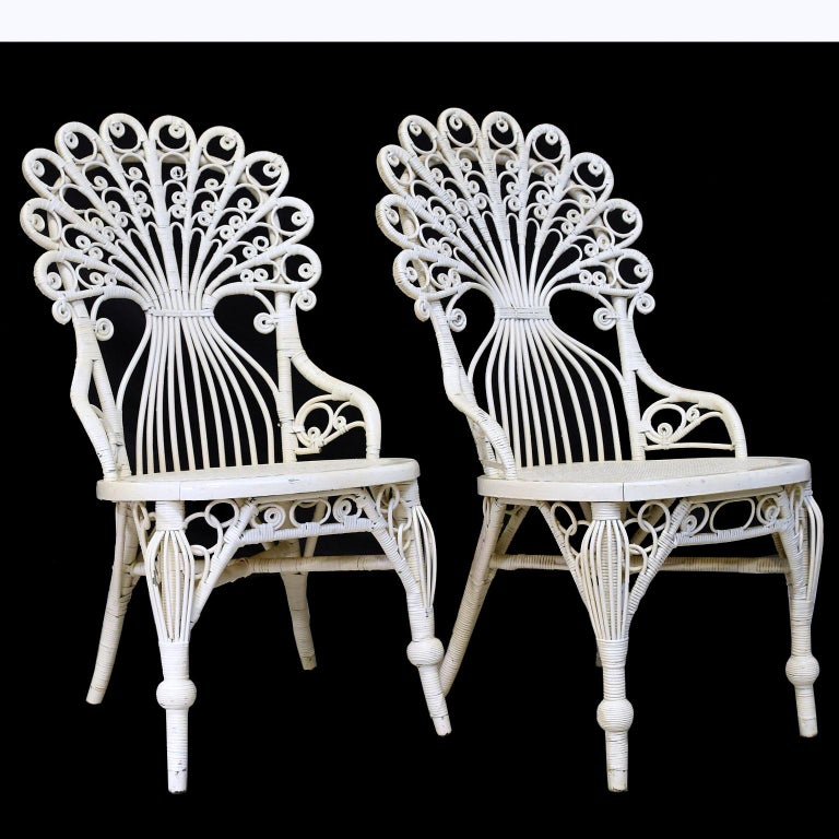 Late Victorian Pair of Victorian Wicker Peacock Chairs, American, circa 1880 For Sale