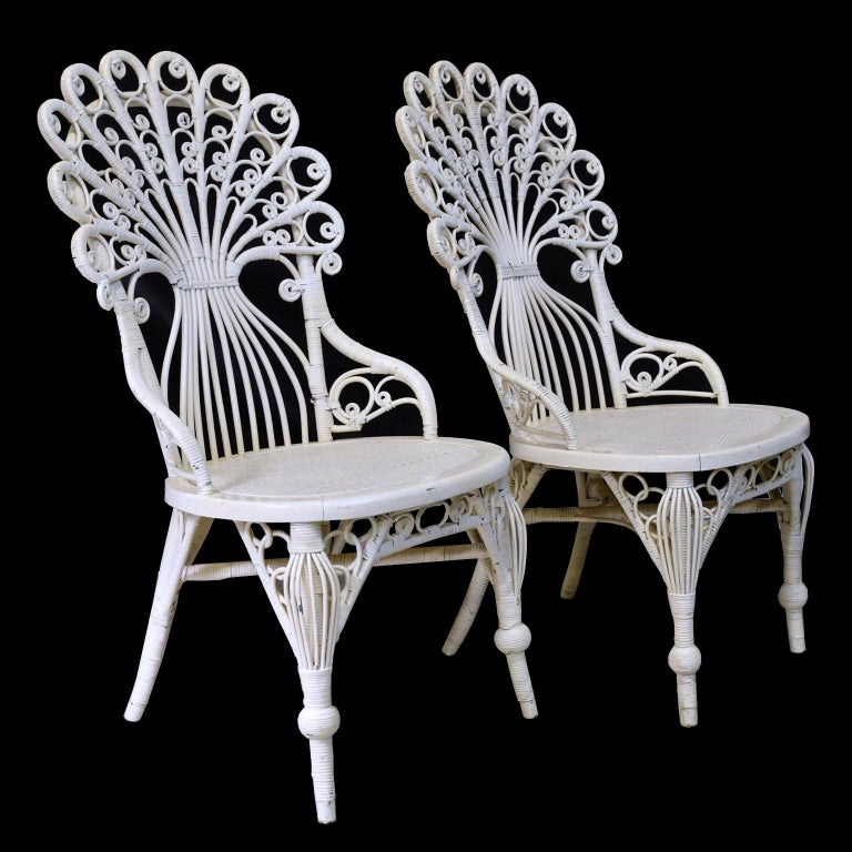Hand-Woven Pair of Victorian Wicker Peacock Chairs, American, circa 1880 For Sale