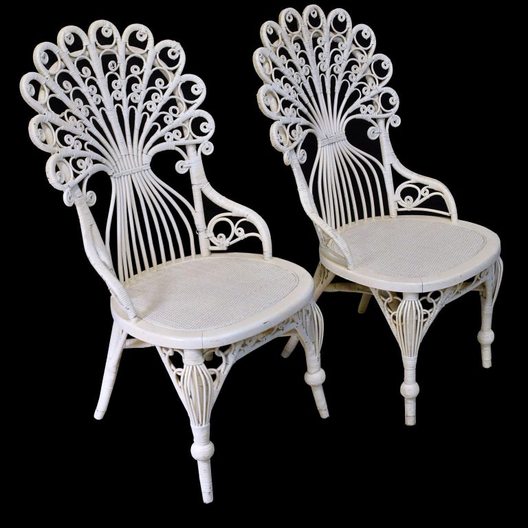 Pair of Victorian Wicker Peacock Chairs, American, circa 1880 In Good Condition For Sale In Miami, FL