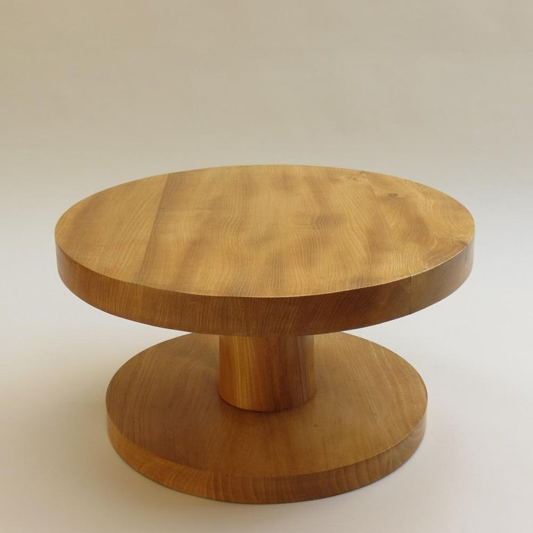 Mid-Century Modern Pair of Vintage Bespoke Handmade Low Round Elm Side Tables For Sale