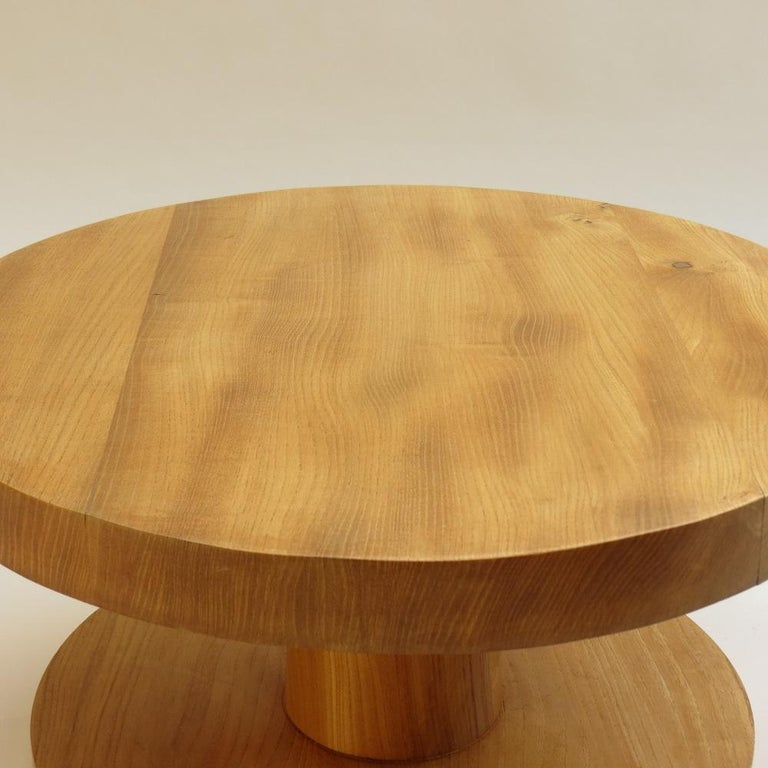 Pair of Vintage Bespoke Handmade Low Round Elm Side Tables In Good Condition For Sale In Stow on the Wold, GB