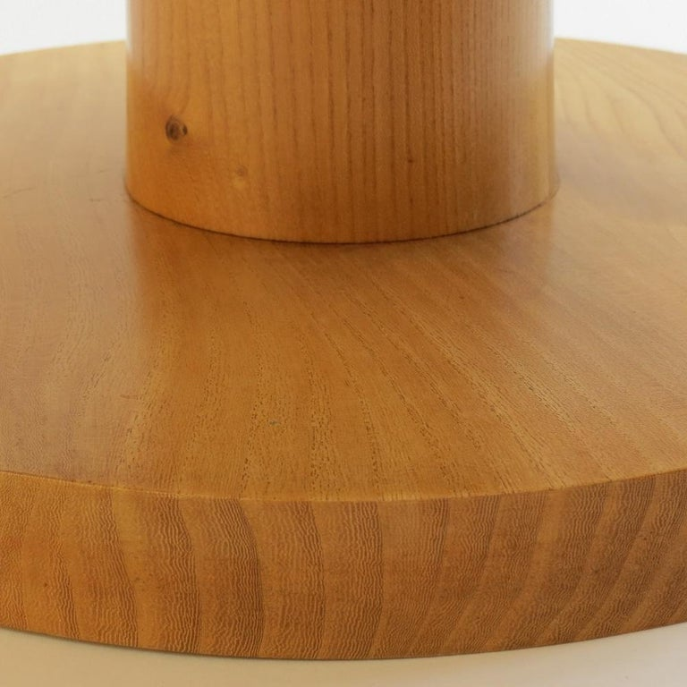 Pair of Vintage Bespoke Handmade Low Round Elm Side Tables For Sale 3