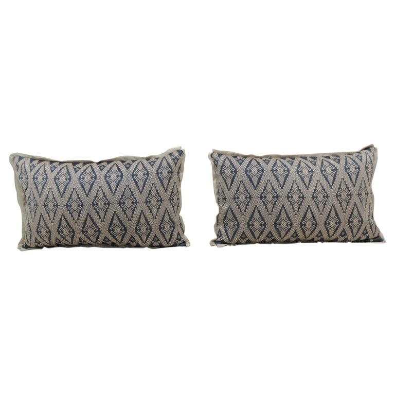 Pair of Vintage Blue and Beige Asian Silk Woven Lumbar Decorative Pillows For Sale