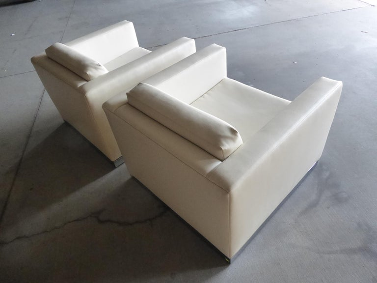 Late 20th Century Pair of Vintage Canadian Cube Chairs For Sale